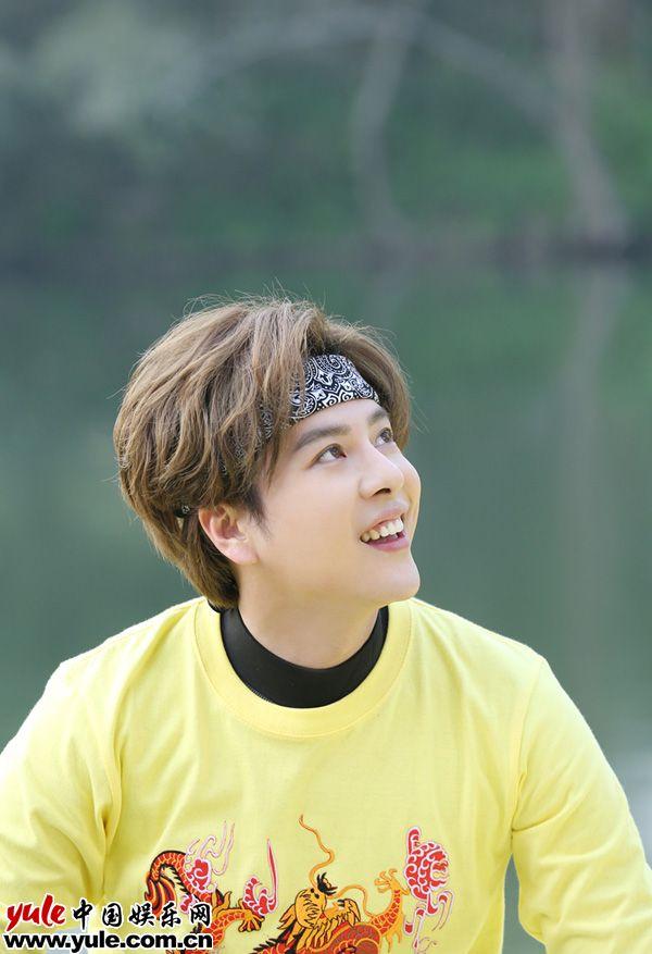 徐海乔高能少年团再度化身发带boy青春运动感十足
